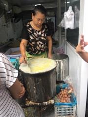 Making jianbing